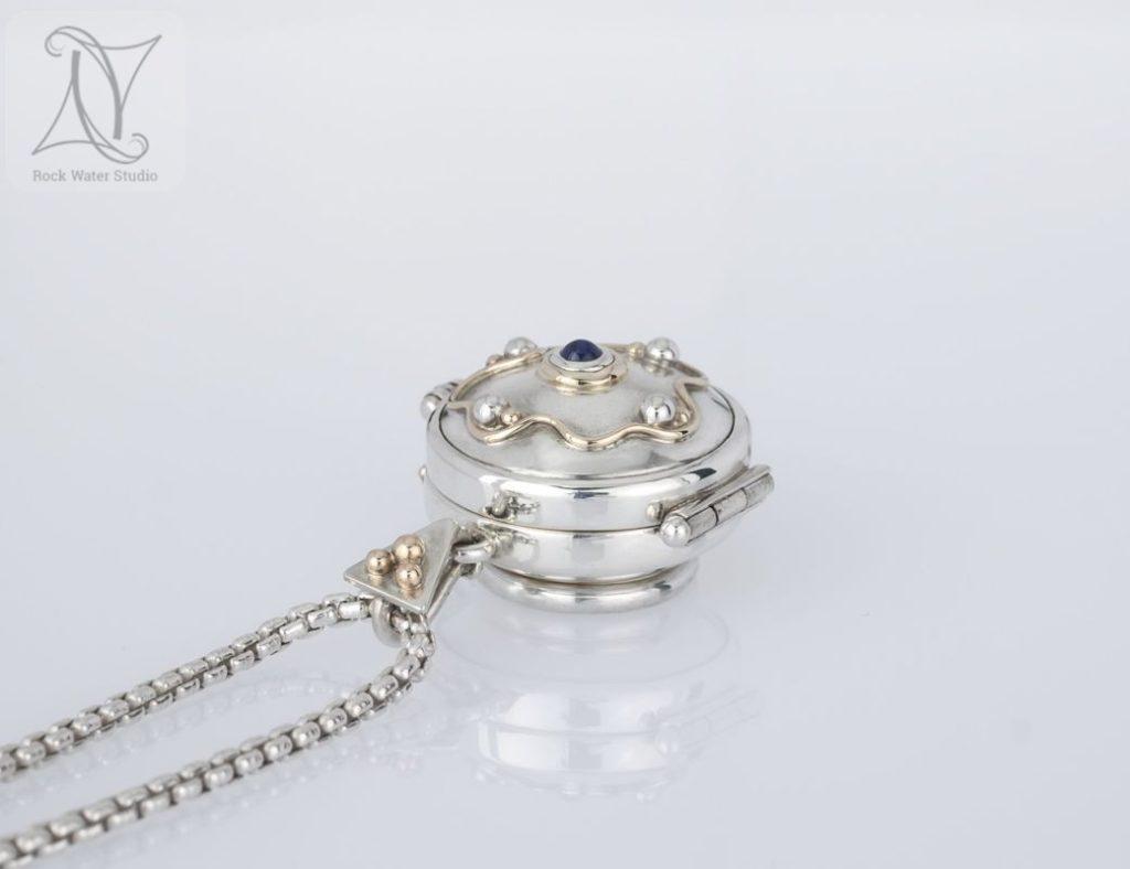 wedding anniversary silver locket gift (g410)