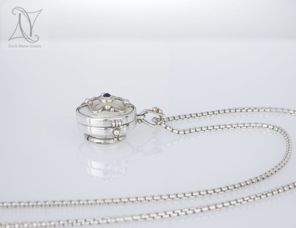 40th birthday silver compass locket gift (g410)