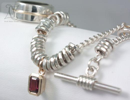 Elegant Explorer Compass Bracelet Gift with Garnet (g338)