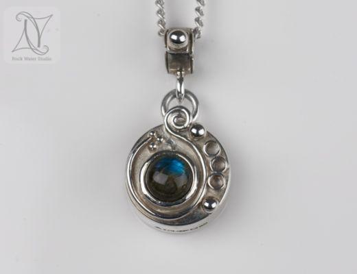 Labradorite Swirl Compass Necklace (g372)