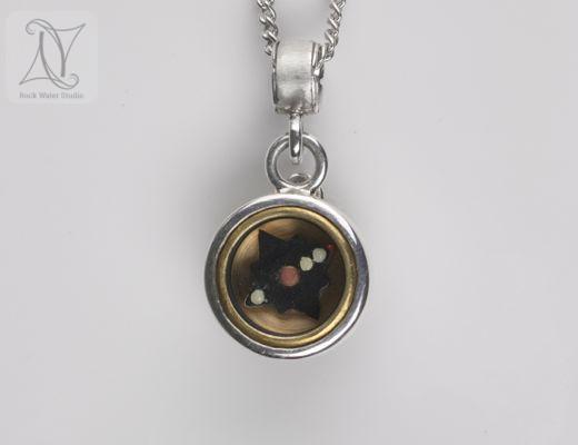Labradorite Swirl Button Compass Pendant (g372)
