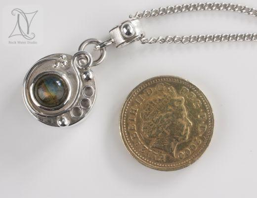 Labradorite Button Compass Necklace Gift (g372)