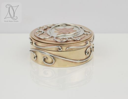 Unique Compass Locket Box