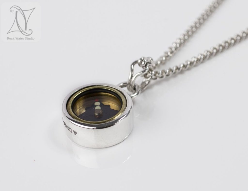 Handmade Silver Compass Necklace on chain (g373)