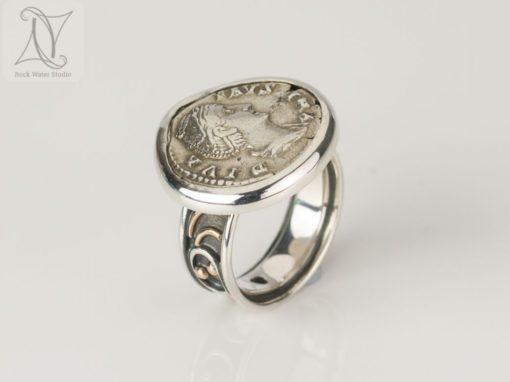 Diva Faustina Coin Ring