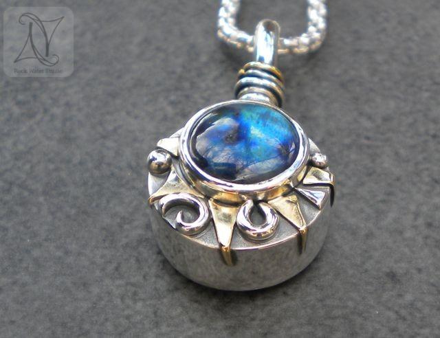 Aurora Borealis Labradorite Compass Necklace (g494)
