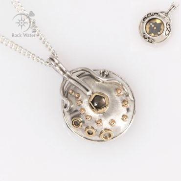 G506 Guiding Star Compass Necklace (g506)