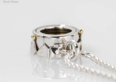 Adventurer Compass Pendant Gift Idea (g518)