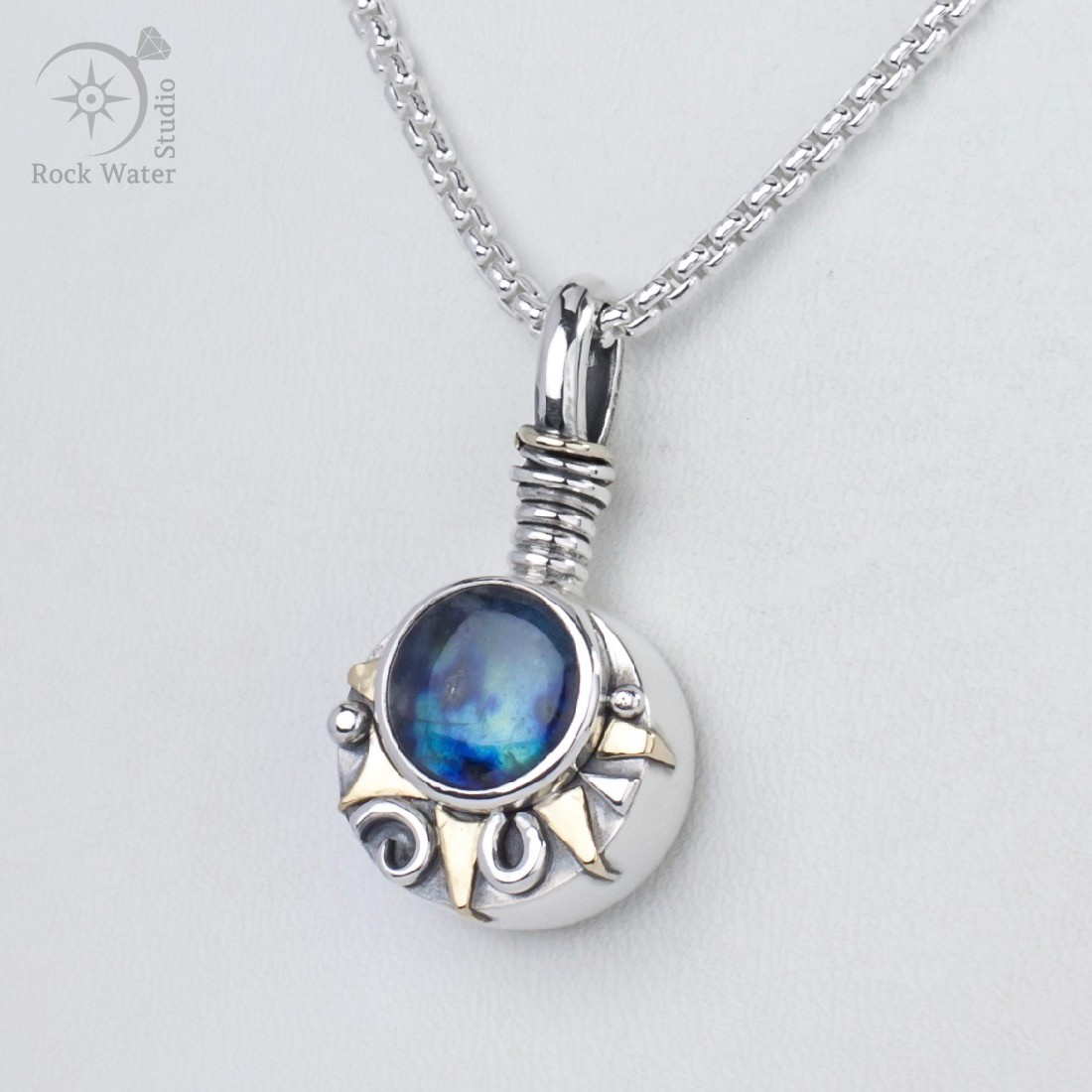 Aurora sunburst working compass necklace
