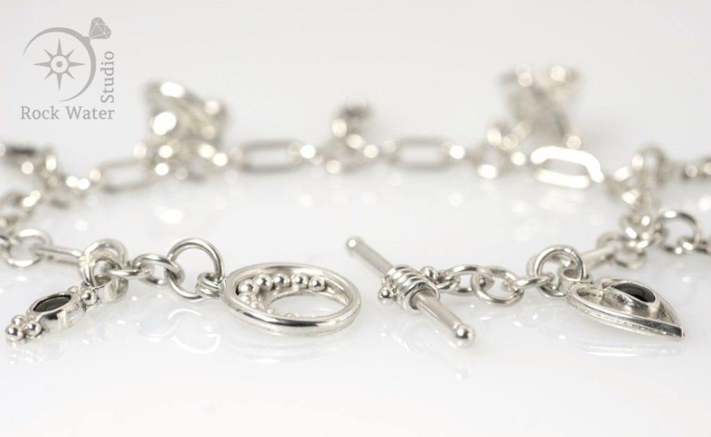 Custom made silver bracelet jewellery gift (g519)