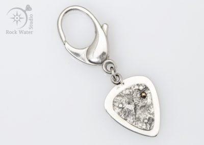 Silver Guitar Pick Keyring Gift (G541)